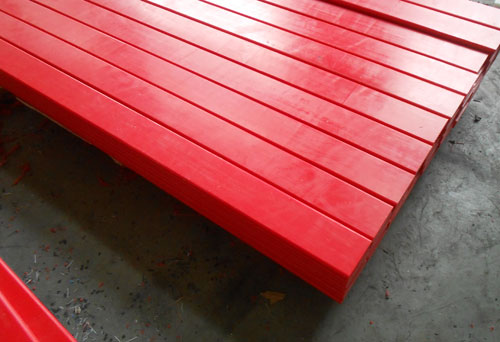 UHMWPE impact bar with rubber