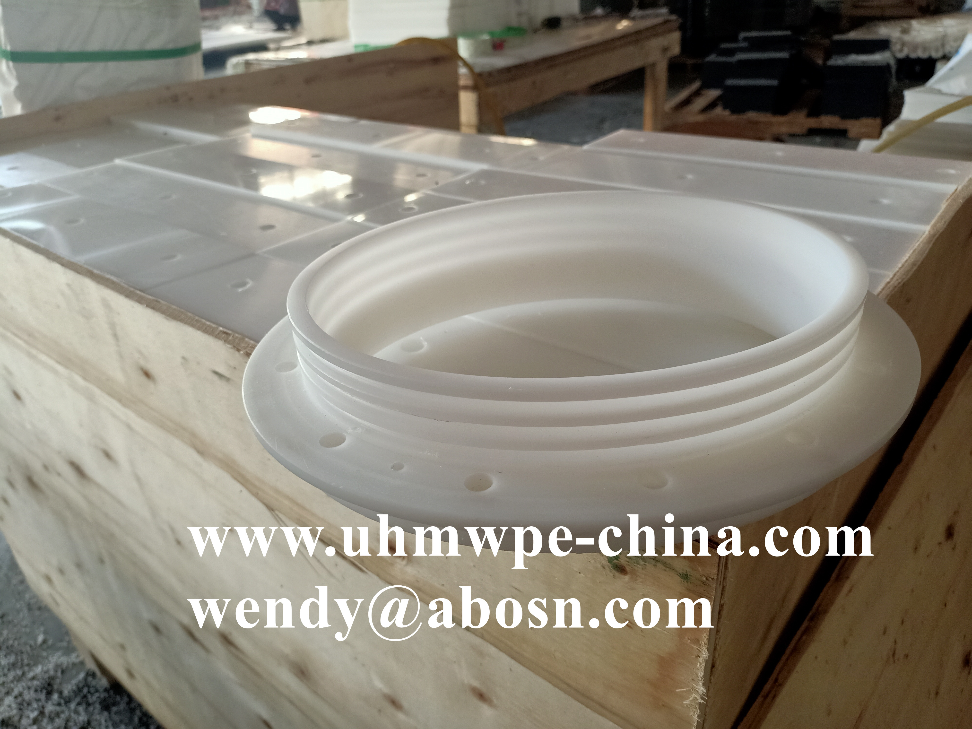 Customized UHMWPE Component